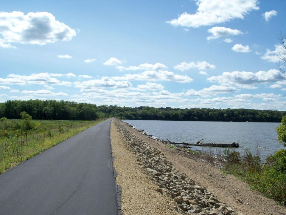 Mississippi River Dike Trail