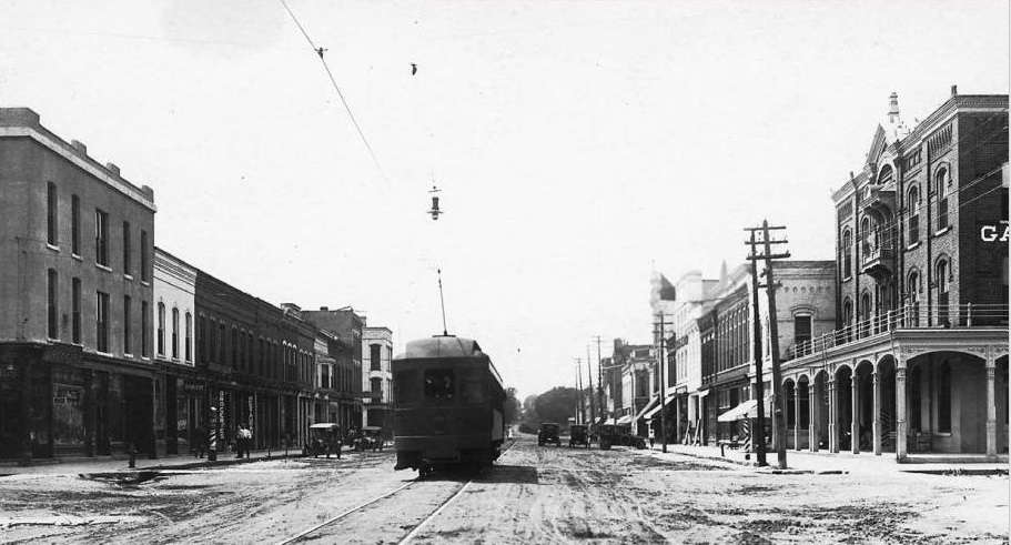 Second Street East Street Car